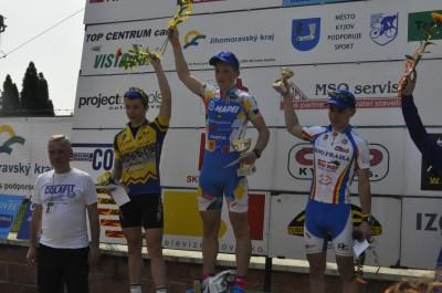 Michal Brázda (uprostřed)