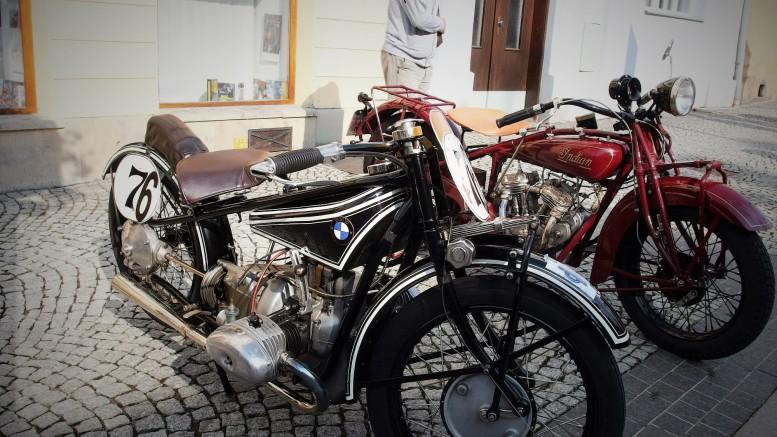 Za motorku BMW by obdivovatelé byli schopní dát celoživotní úspory.