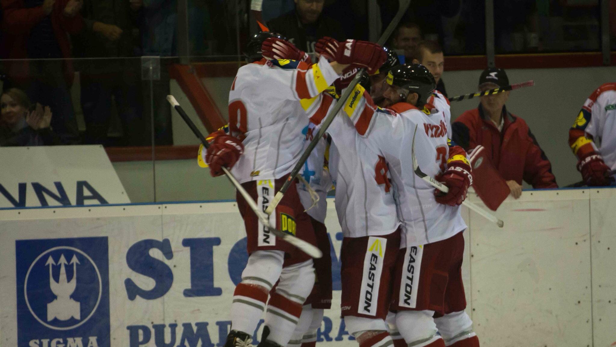 Hokejisté Olomouce se radují.