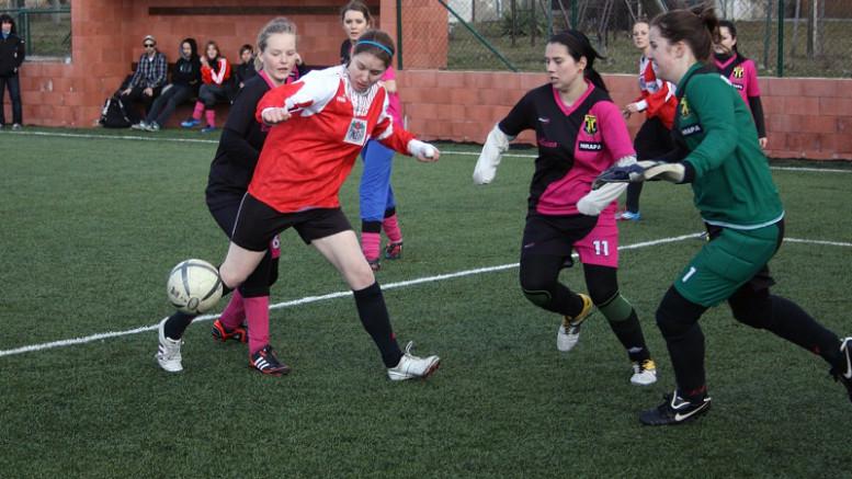 Fotbalový turnaj žen na Nových Sadech